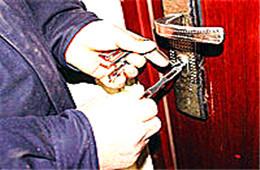 虎门附近换锁紧急上门服务 - 东莞虎门开锁修