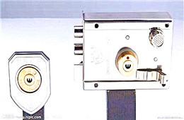 指纹锁安装技术员 门锁安装 智能锁安装工怎么样