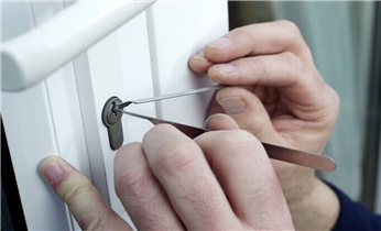 北联开修换锁-指纹锁安装-保险柜改密码电话