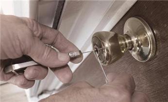 云山居开锁-木门-铁门-保险柜-门禁开修换锁