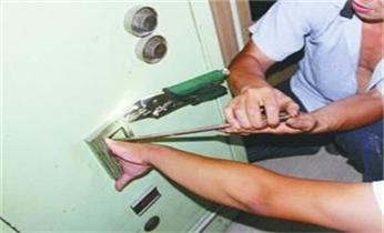 沙坑开锁修锁换锁-指纹锁-保险柜安装