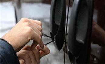 新市附近指纹锁安装-防盗门换锁-安装指纹锁