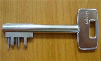 官涌开修换锁公司电话-玻璃门锁-安装指纹锁