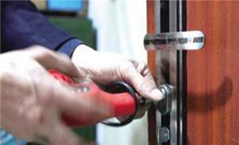 天河南附近开锁修换电子保险柜锁-密码箱锁