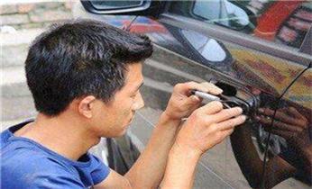 南雄开锁换锁公司师傅电话-附近开换修锁指纹锁安装