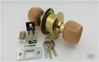 德庆附近开锁换锁的电话多少-厕所球形锁被反锁了
