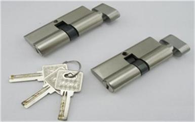 佛冈找人开个锁要多少钱-万能钥匙开锁方法