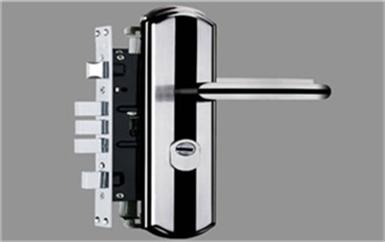 麦盖提老式防盗门如何换锁-修锁换锁报价