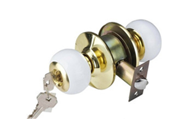 万江防盗门把手坏了需要换锁吗-换锁的为什么拿走锁芯