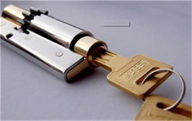 企石钥匙忘屋里了怎么开锁-门锁芯坏了怎么撬开门